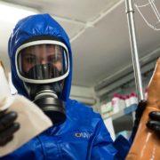 Exercice de simulation de décontamination chimique à l'hopital d'instruction des Armées,Desgenettes, le jeudi 17 avril 2014