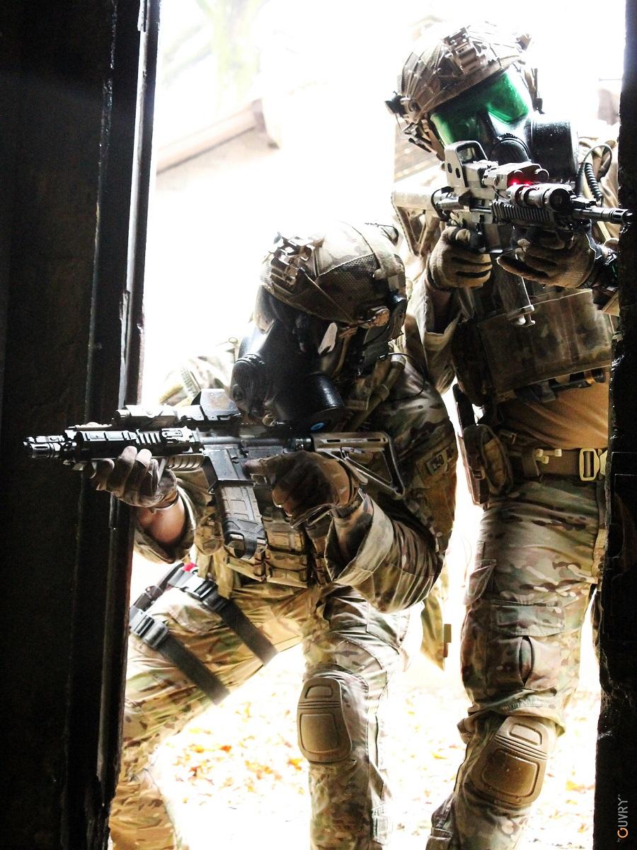 tenue de combat nrbc forces speciales 2 ouvry syst mes de protection nrbc. Black Bedroom Furniture Sets. Home Design Ideas