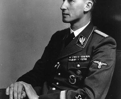 How did Reinhard Heydrich die? An event related to BCRNe ?